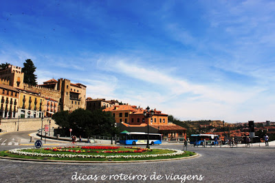 Praça do Aqueduto de Segóvia