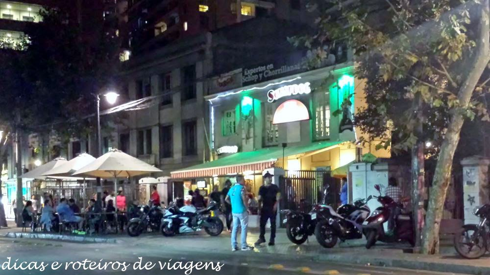 Rua Pio Nono cheia de bares