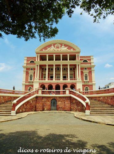 Frente do Teatro Amazonas