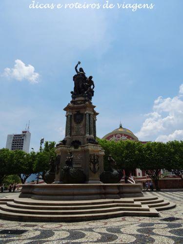 Monumento na Praça São Sebastião