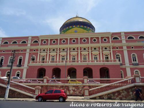 Outro lado do Teatro Amazonas