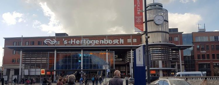 Trem na Holanda