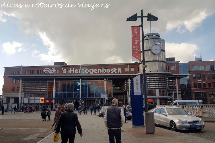 Trem na Holanda 01
