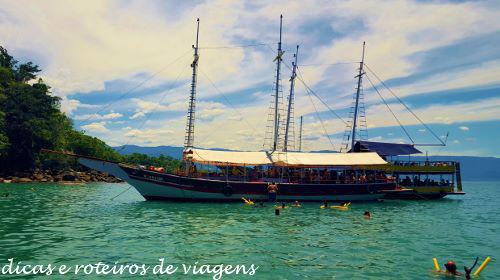 Barco Paraty 12