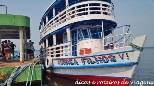 Encontro das Aguas 02 Barco