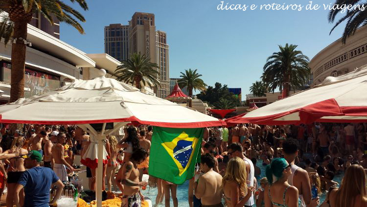 Pool party 00