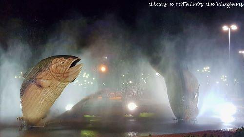 Praça Principal de Bonito com as Piraputangas